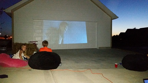 Outdoor Movie Night Summer Fun on Garage 100DaysofHappy